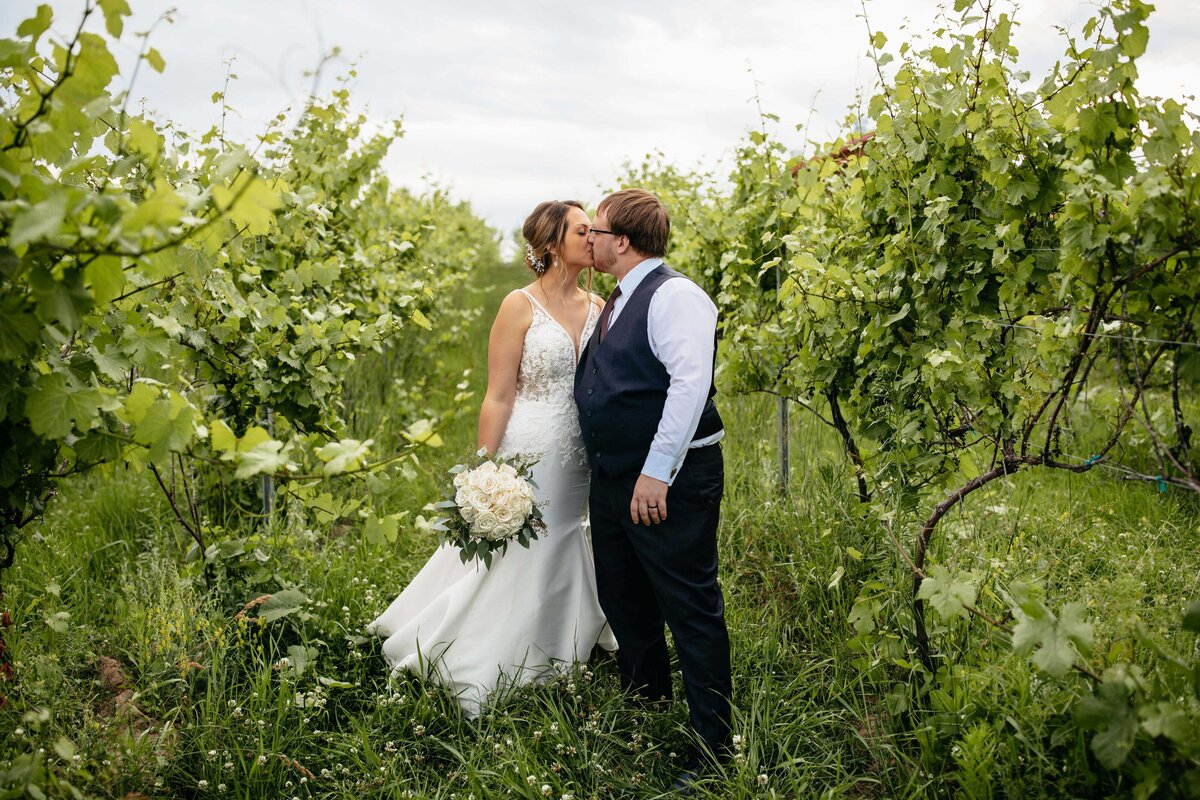 Trezzi Winery Photographer - Greenbluff Wedding Photographer - Clara Jay Photo