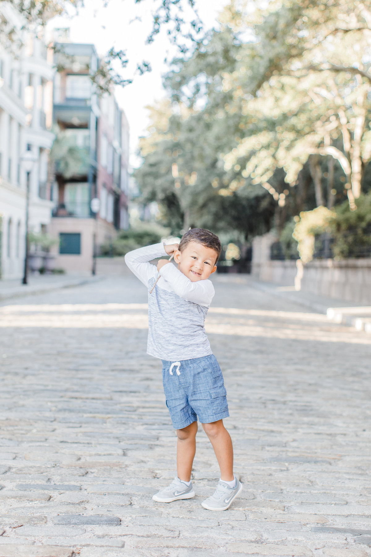 Downtown-Charleston-Family-Photos-Laura-Ryan-Photography-9