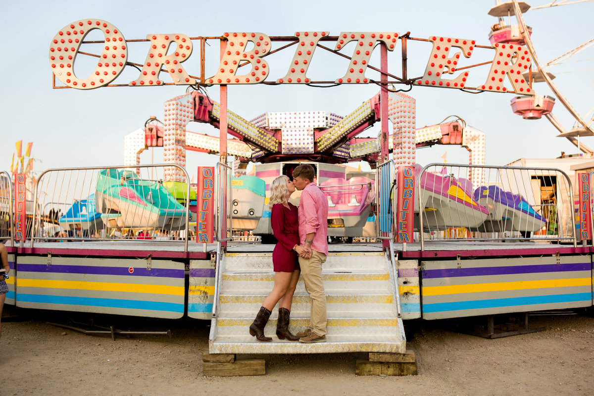 colorado-carnival-engagement-pictures