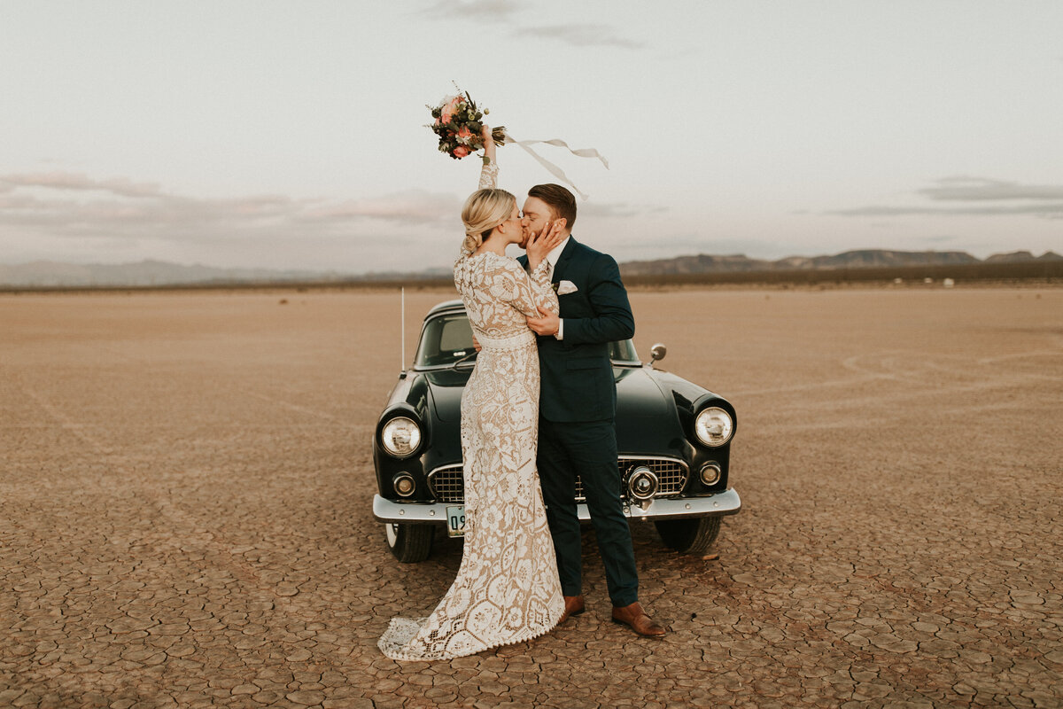 Las-Vegas-Elopement-Dry-Lake-Bed-882