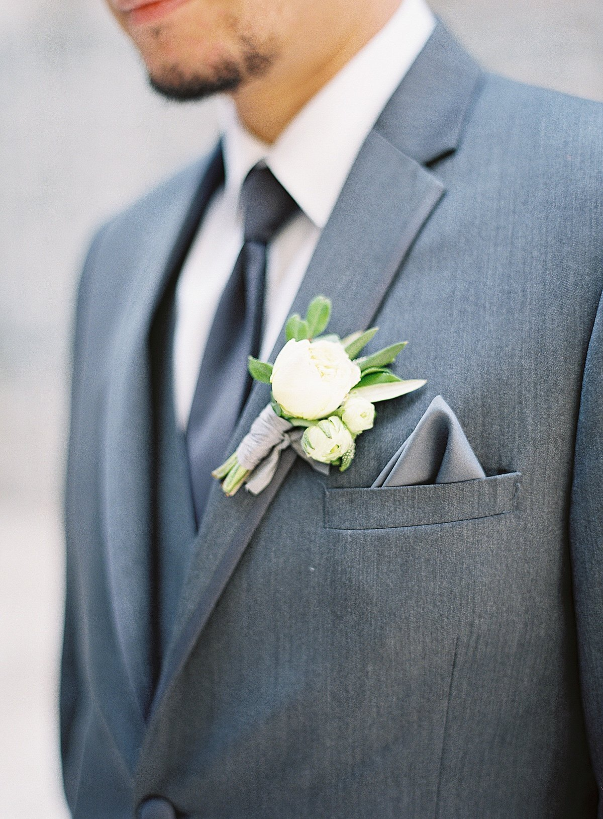 Posh Peony Mission Inn Lush Gray and Gold Greenery Wedding Flowers_0010