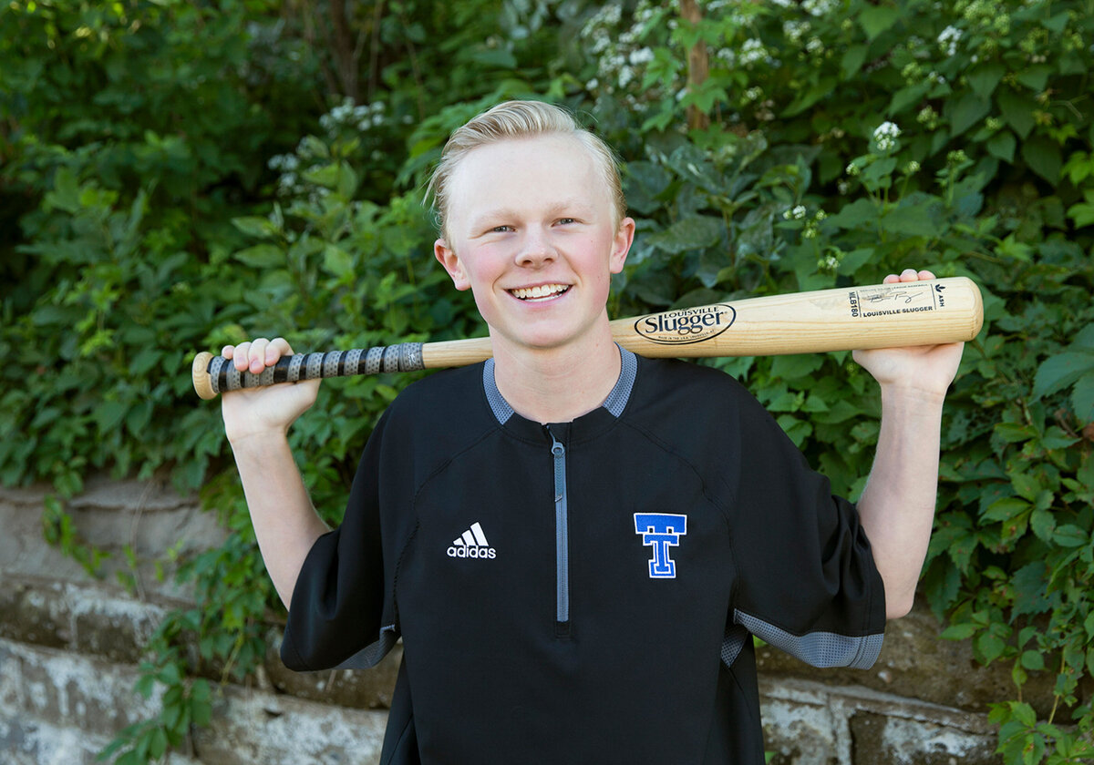 sports senior pictures St Paul MN