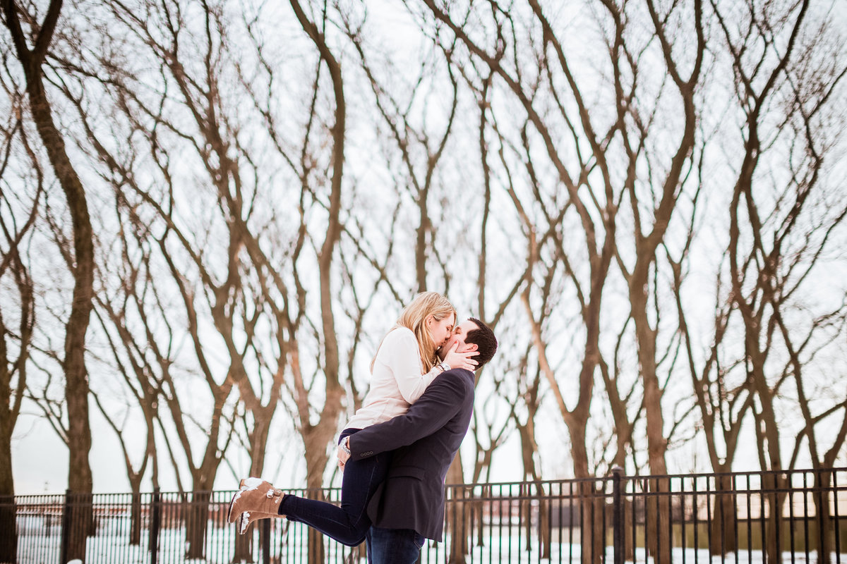 Snowy-Winter-Engagement-Chicago