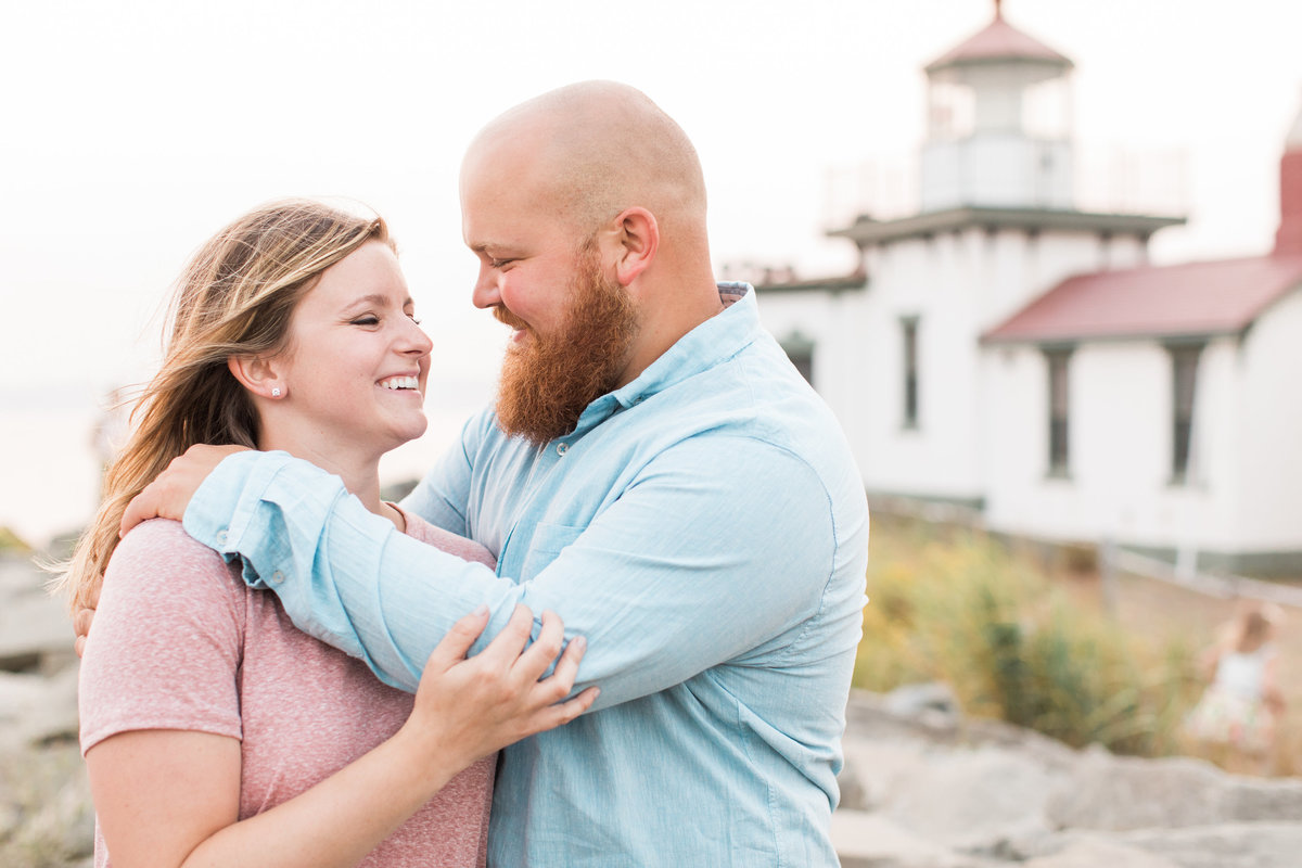 Snohomish_Wedding_Photographer_Discovery_Park Engagement_photos
