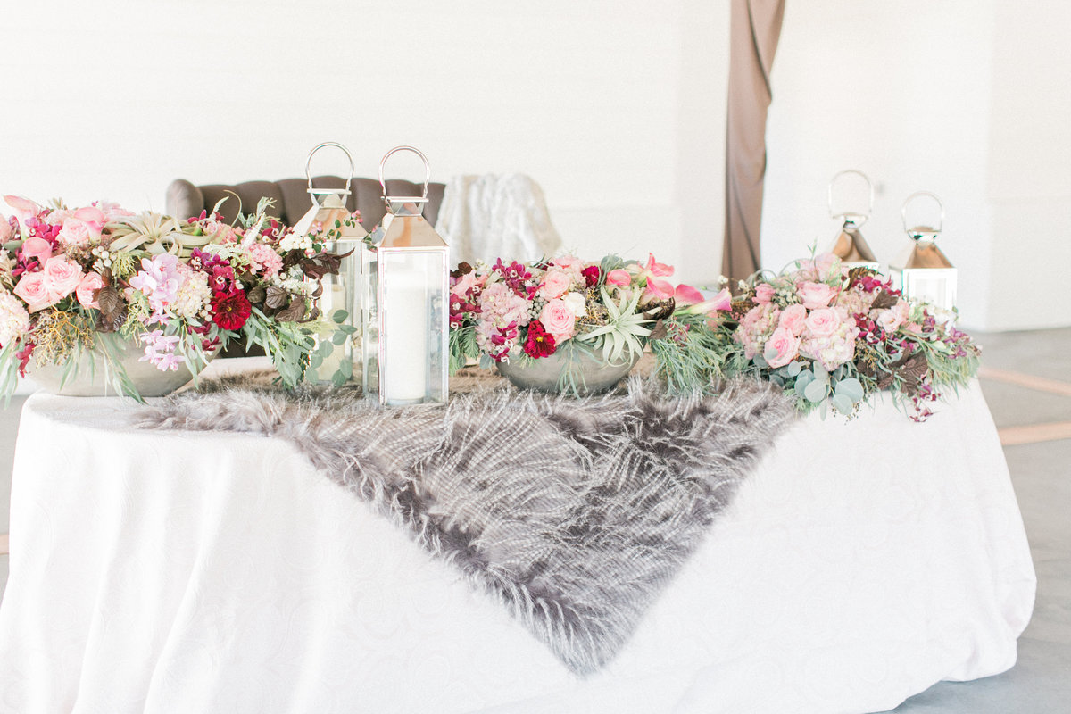 Winter Wedding Table Decor