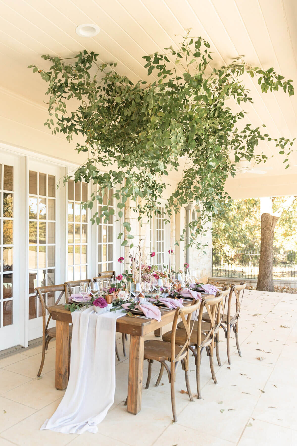 Elegant farmhouse wedding table at the Olana