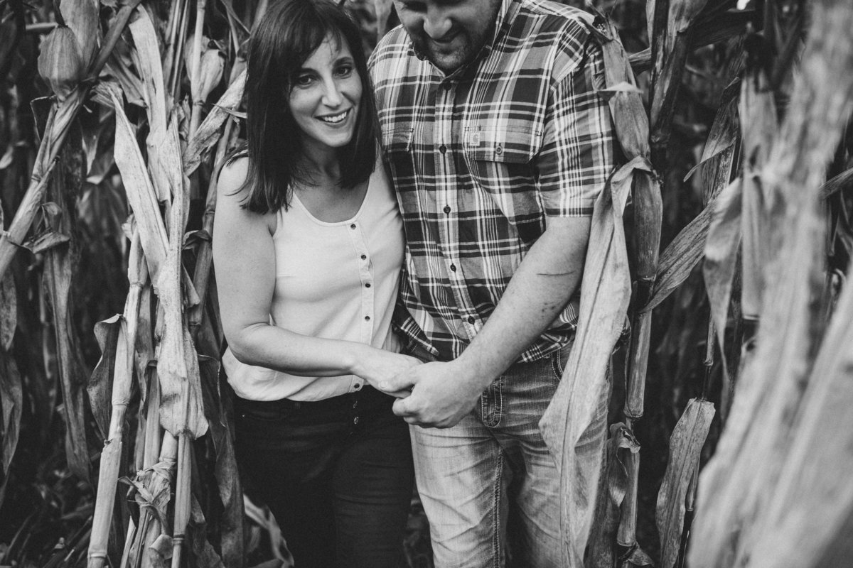 southwest-virginia-corn-farm-couple-photos