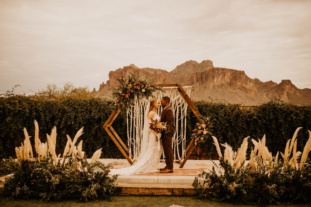 Earthen Real, Raw and Authentic Styled Wedding  Allison Slater Photography234