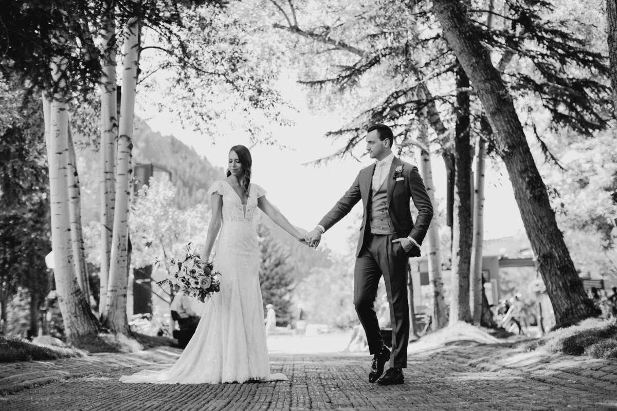 gps-aspen-bride-and-groom-bw-custom-bespoke-blue-suit-grant-mcnamara-bw-2