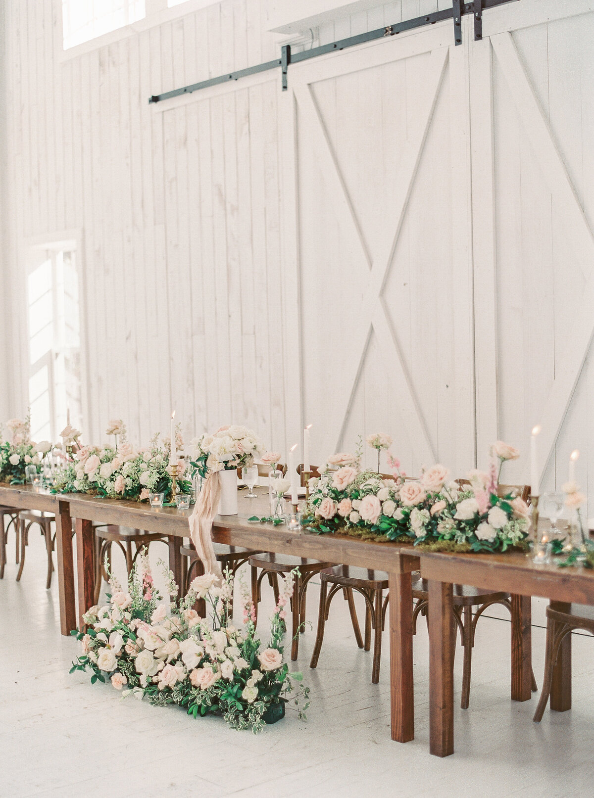 White Sparrow Barn_Lindsay and Scott_Madeline Trent Photography-0119