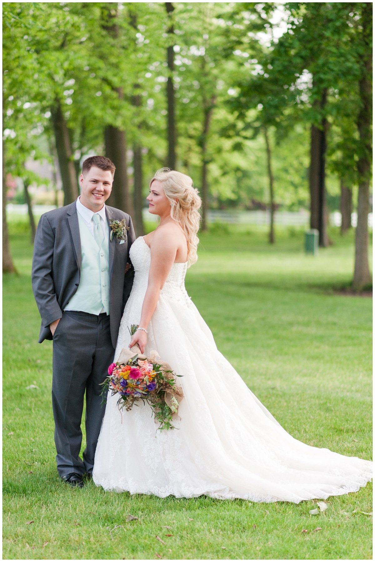 Heritage golf and country club wedding hilliard ohio wedding photos_0047