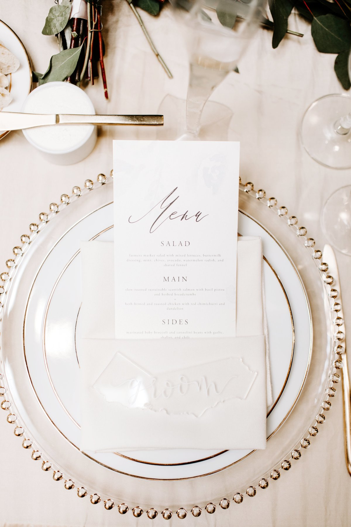 White-Gold-Wedding-Placesettings