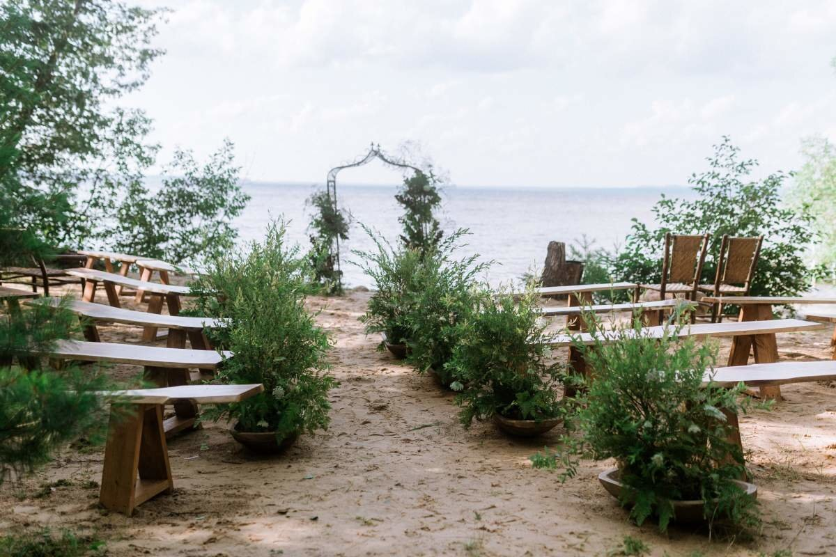 northern-michigan-beach-wedding-florist