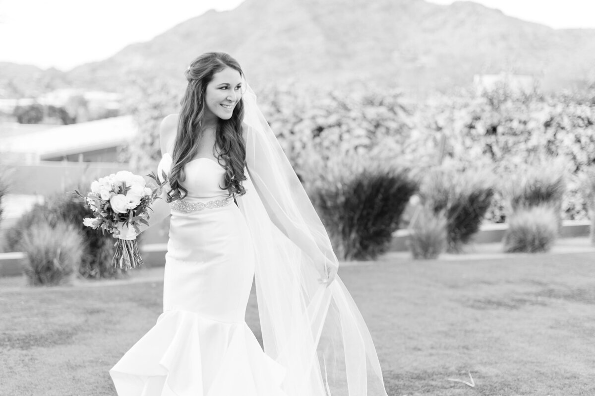 Sanctuary-on-Camelback-Wedding-by-Leslie-Ann-Photography-00030