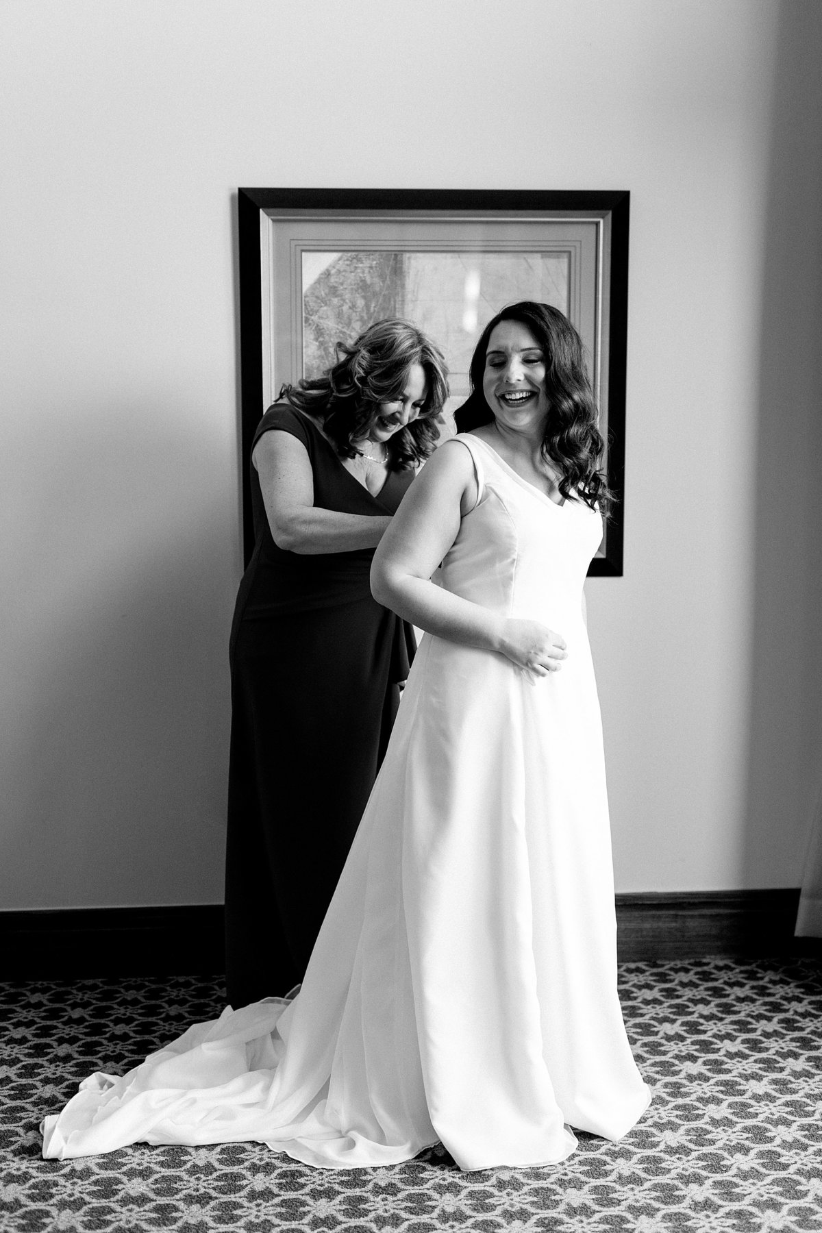 Rachel-Matt-Inn-at-St-Johns-Wedding-Michigan-Breanne-Rochelle-Photography12