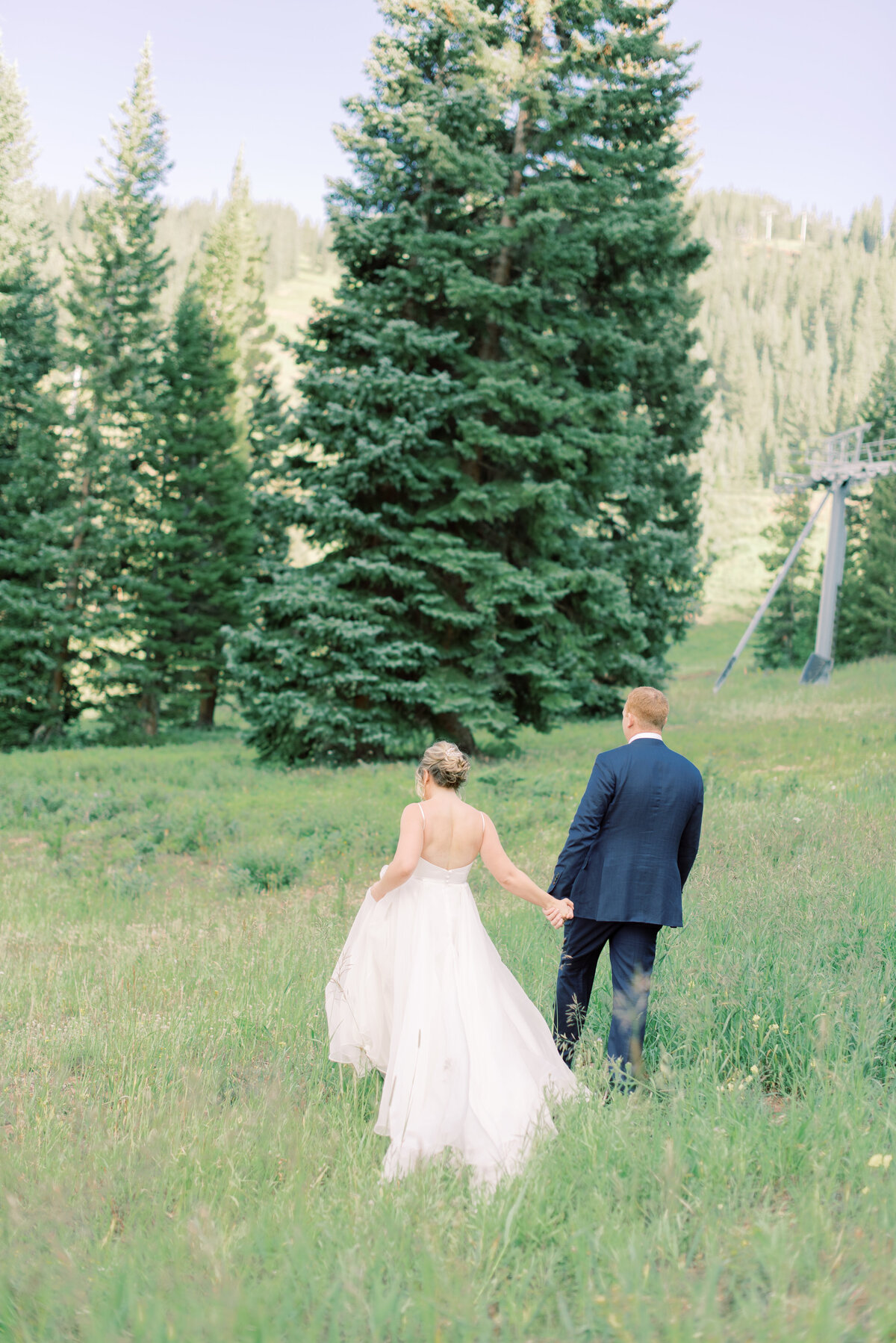 Melissa Brielle Photography Colorado Fine Art Wedding Engagement Photographer Photograph Melissa Minkner Light Airy Luxury High End12
