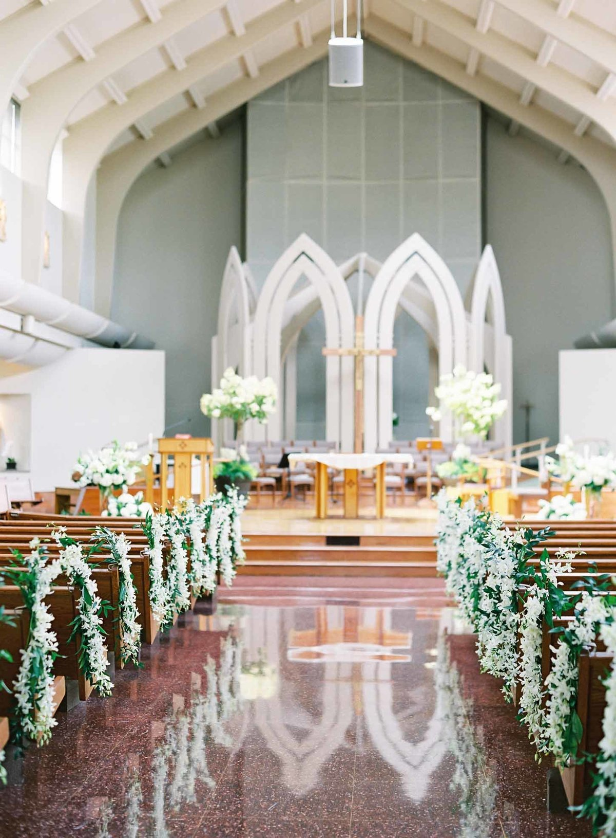 Elegant wedding ceremony at Sacred Heart Church in Medina