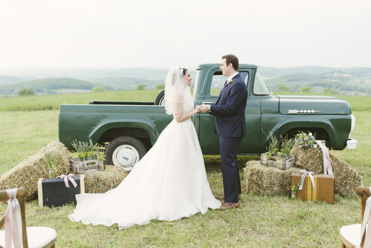 Monica-Relyea-Events-Alicia-King-Photography-Globe-Hill-Ronnybrook-Farm-Hudson-Valley-wedding-shoot-inspiration62
