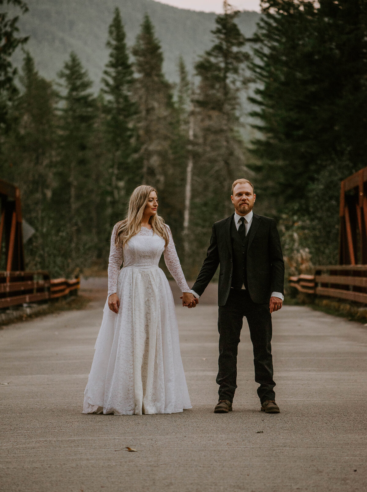 mount-hood-mountain-cabin-woods-elopement-forest-oregon-pnw-wedding-photographer9747