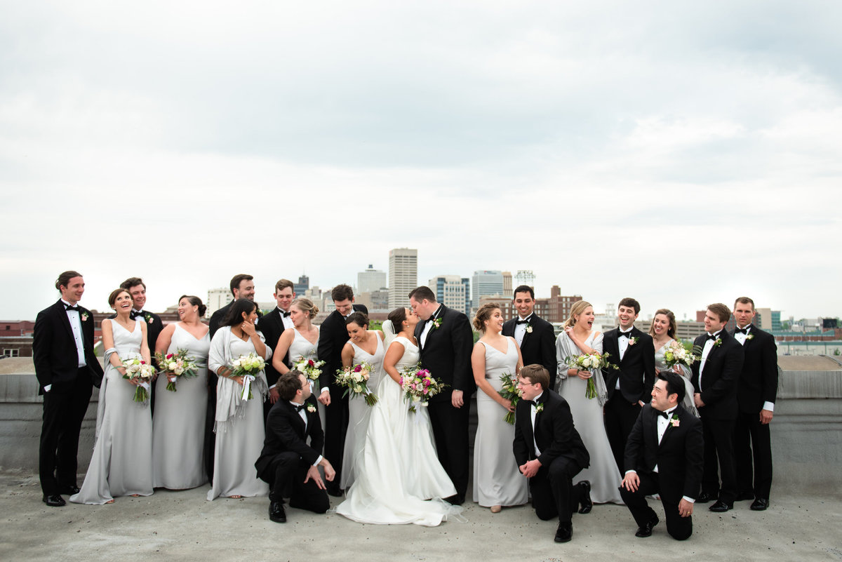 memphis city skyline bridal party photo