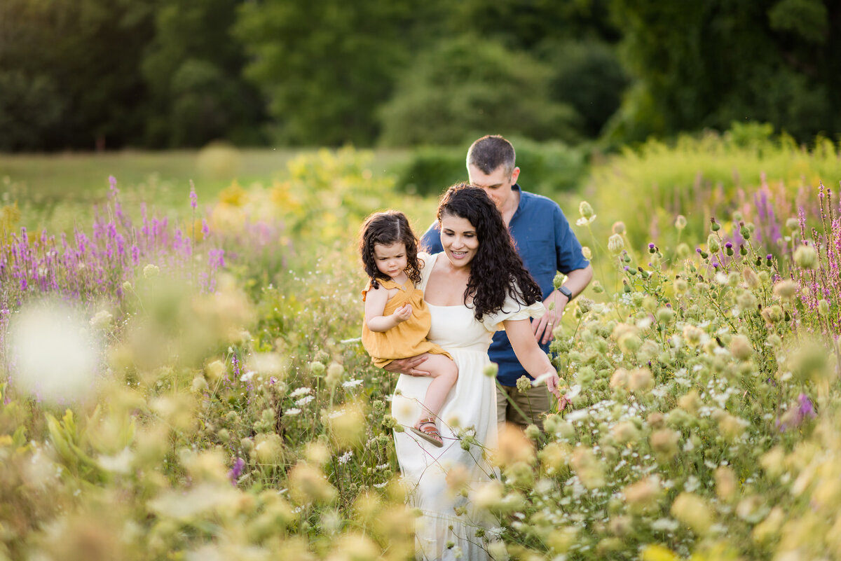 Boston-family-photographer-bella-wang-photography-Lifestyle-session-outdoor-wildflower-61