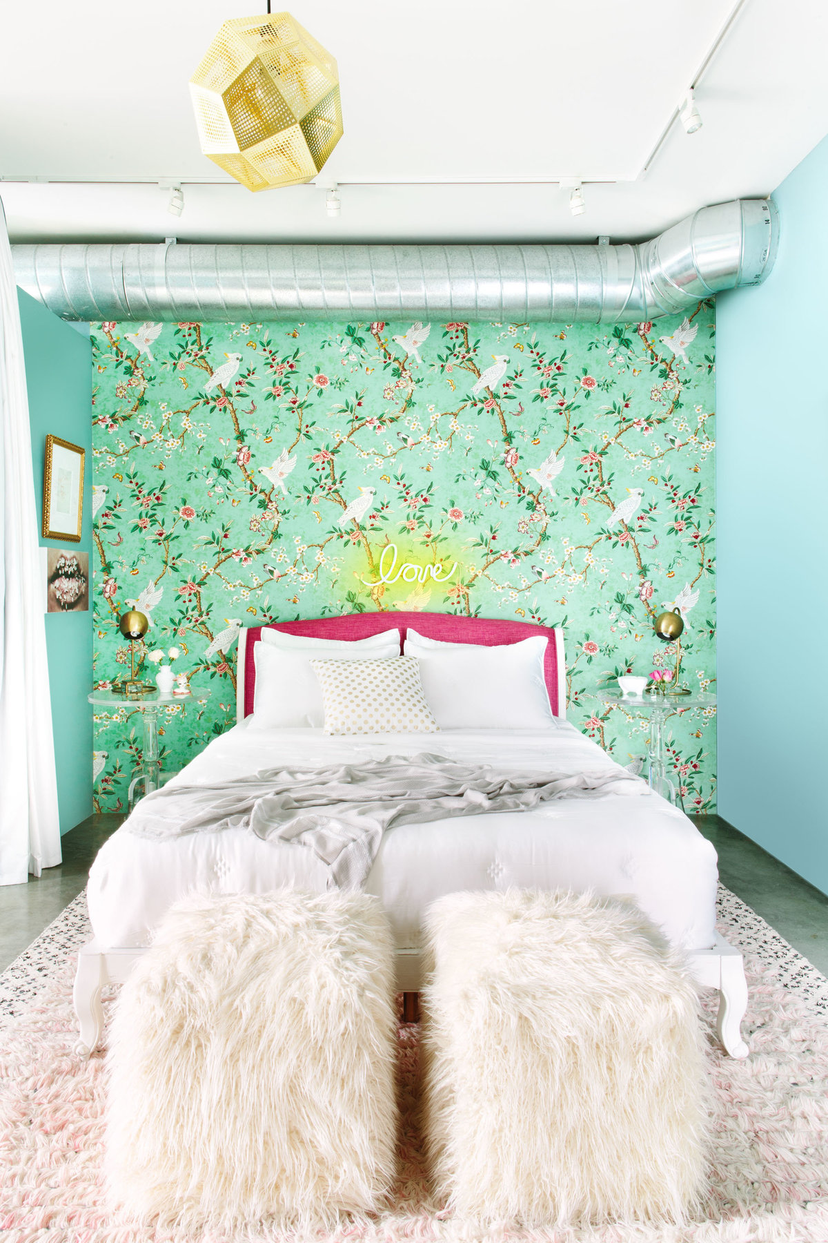 Glamour-Nest-Los-Angeles-Girly-Glamour-Interior-Bedroom-04