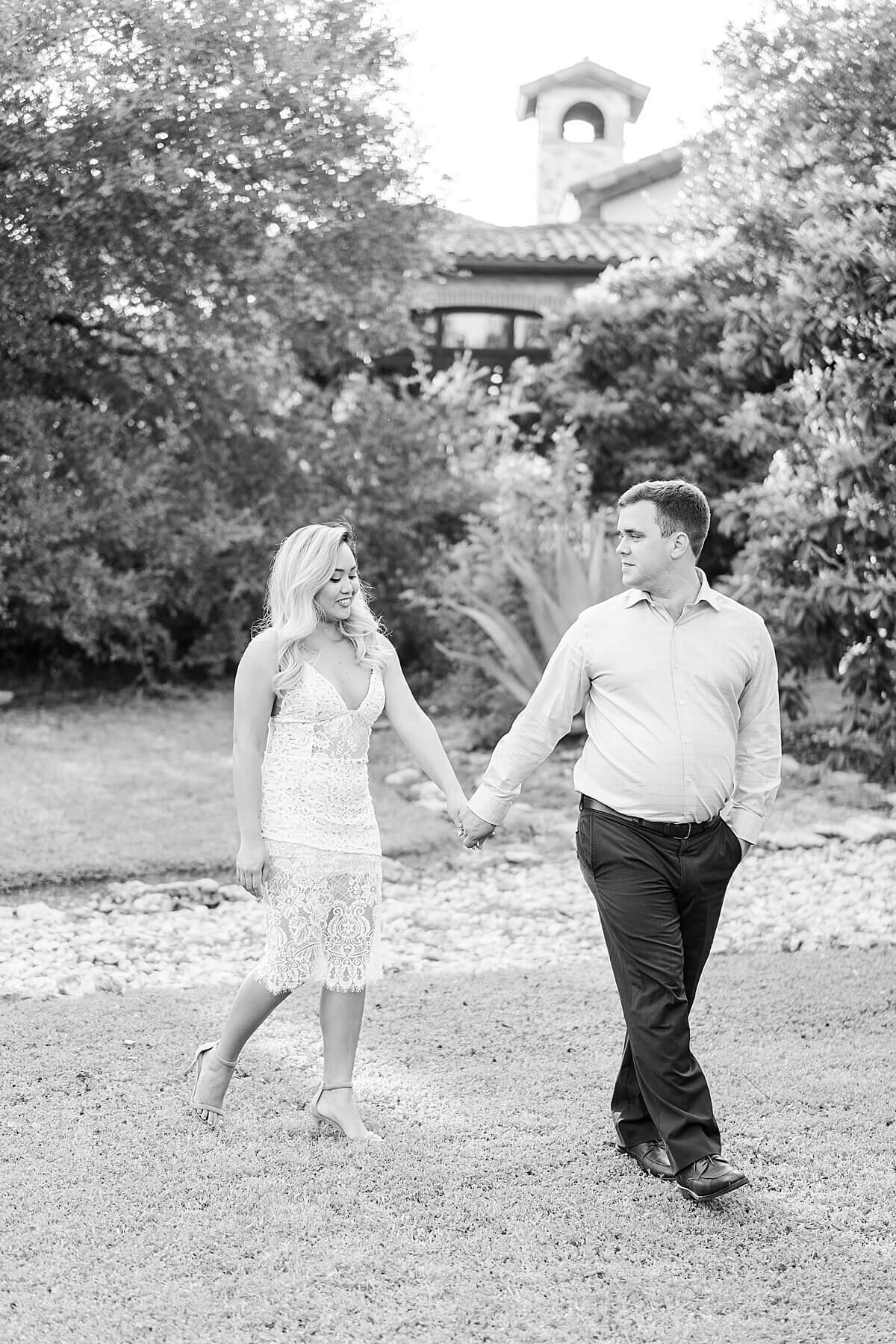 Texas-Hill-Country-Vineyard-Engagement-Portrait-Session-Alicia-Yarrish-Photography_0118