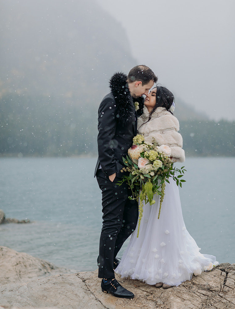 lake-minnewanka-banff-wedding-mt-norquay-photographers