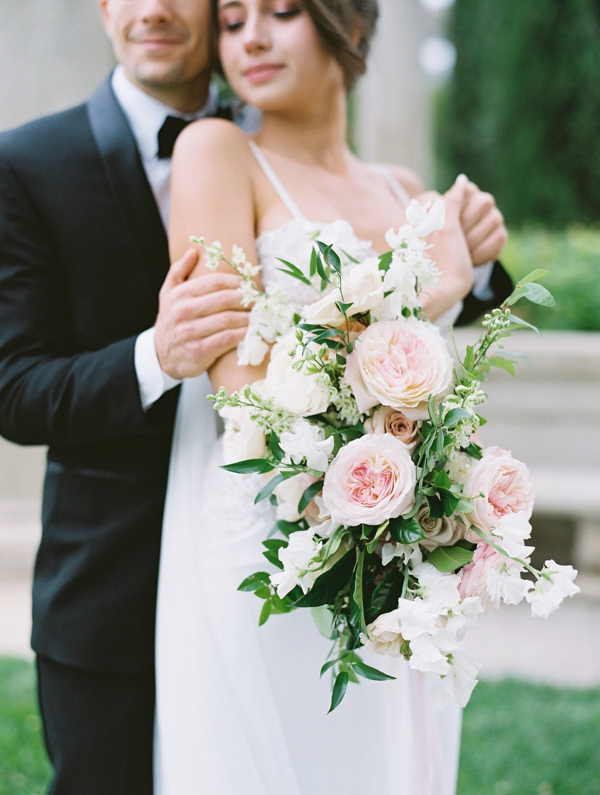 daniel-and-bethany-weddings-white-bouquet