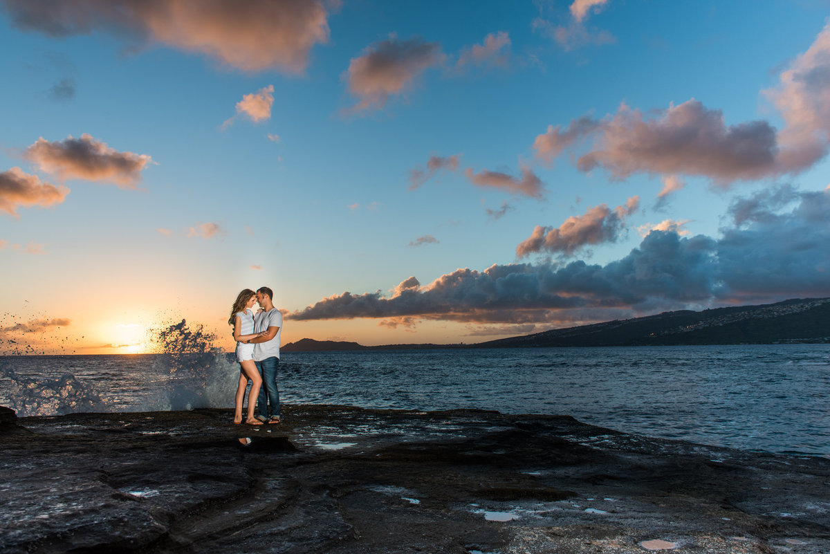 oahu-engagement-photos-china-walls-66-1