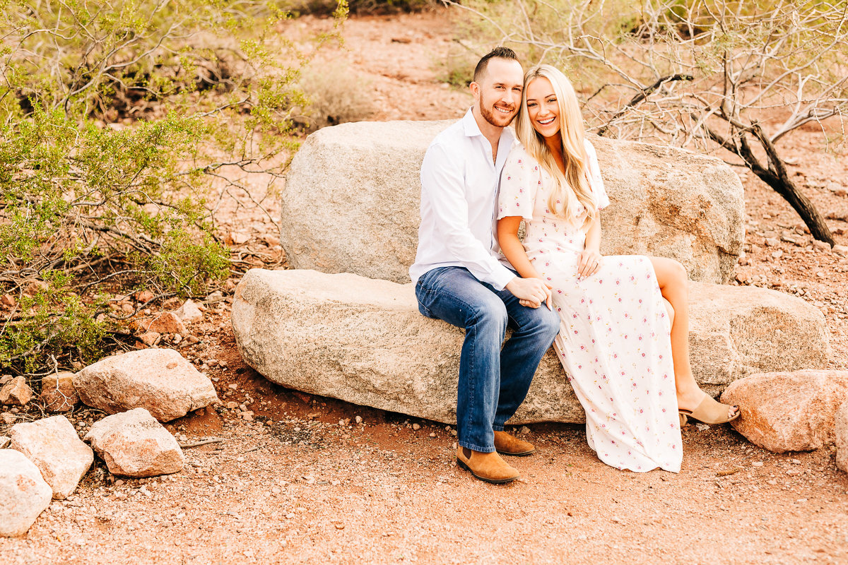 Savannah + Colin - Engagement Session - Lunabear Studios-8
