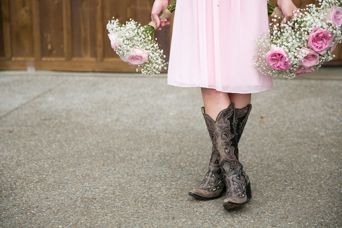 bridesmaid cowboy boots barn wedding, Misty Valley, Ann Arbor, Michigan, wedding photographer Charlene Gurney