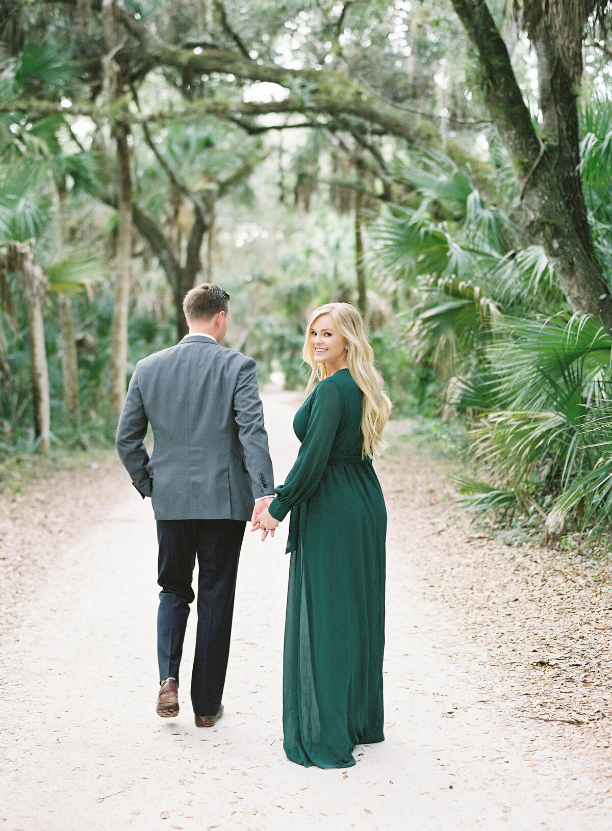 Napl-Florida-Engagement-film-photogrpaher-koreshan-state-park-6