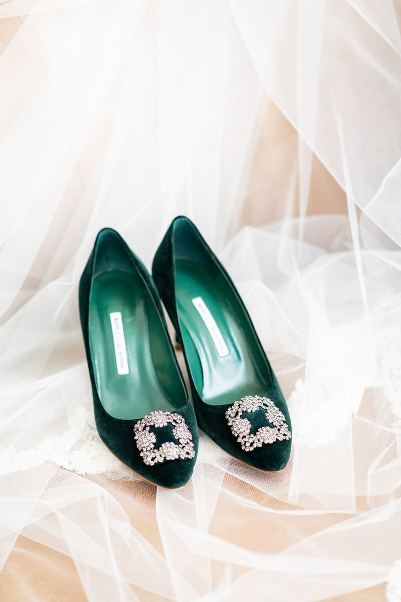 green-velvet-bridal-shoes-patricia-lyons