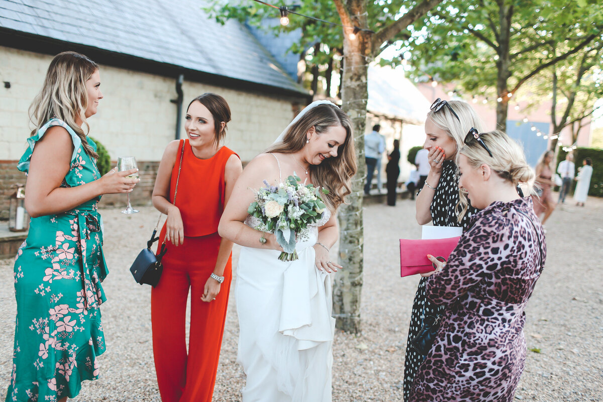 BURY-COURT-BARN-WEDDING-SUMMER-0075