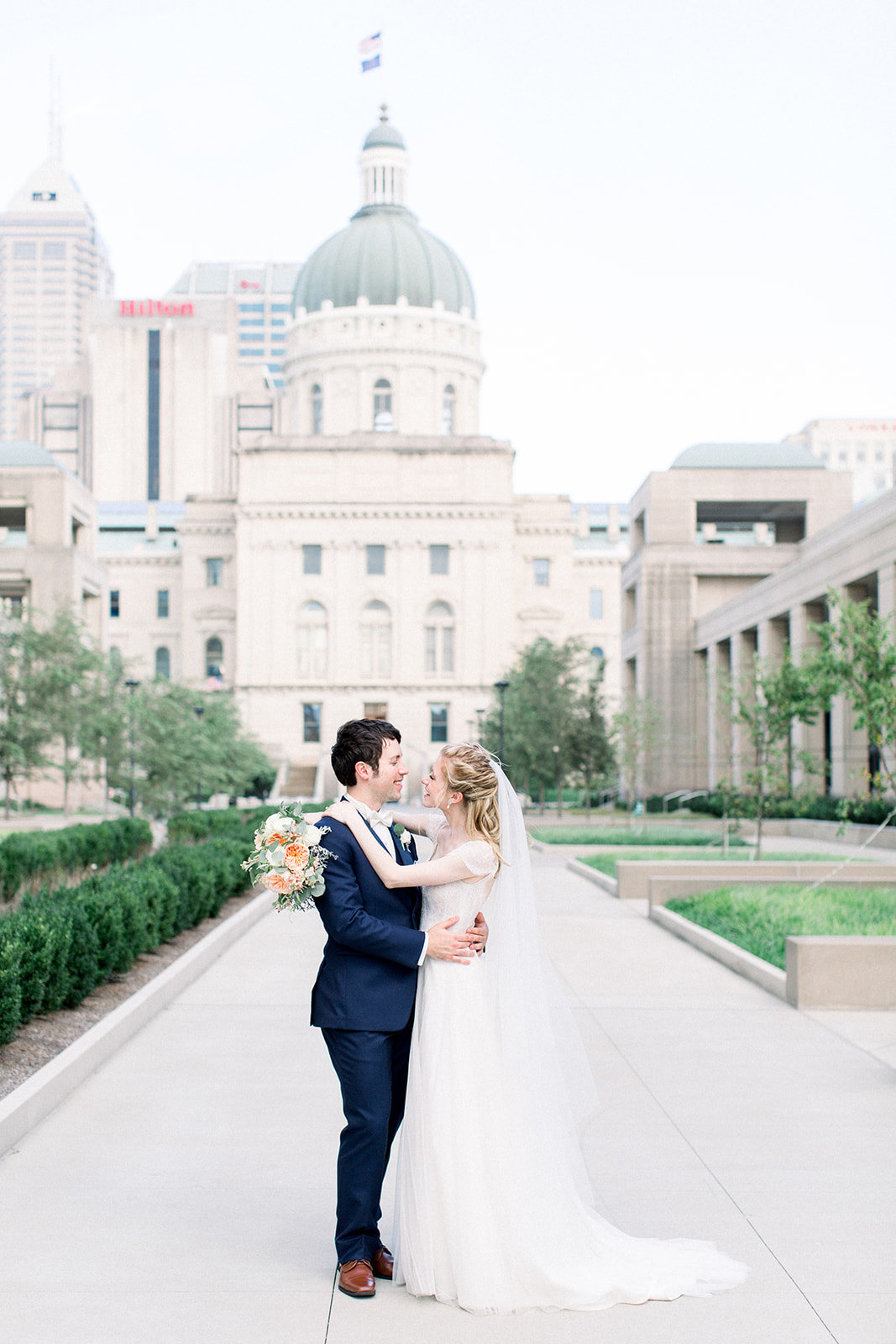 Lisa+Chris-indianapolis-wedding-jenn-plumlee-photography22