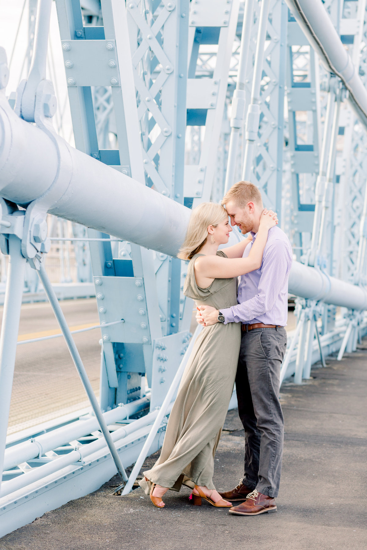 Cincinnati-engagement-wedding-photographer-eden-park-art-museum-smale-riverfront028