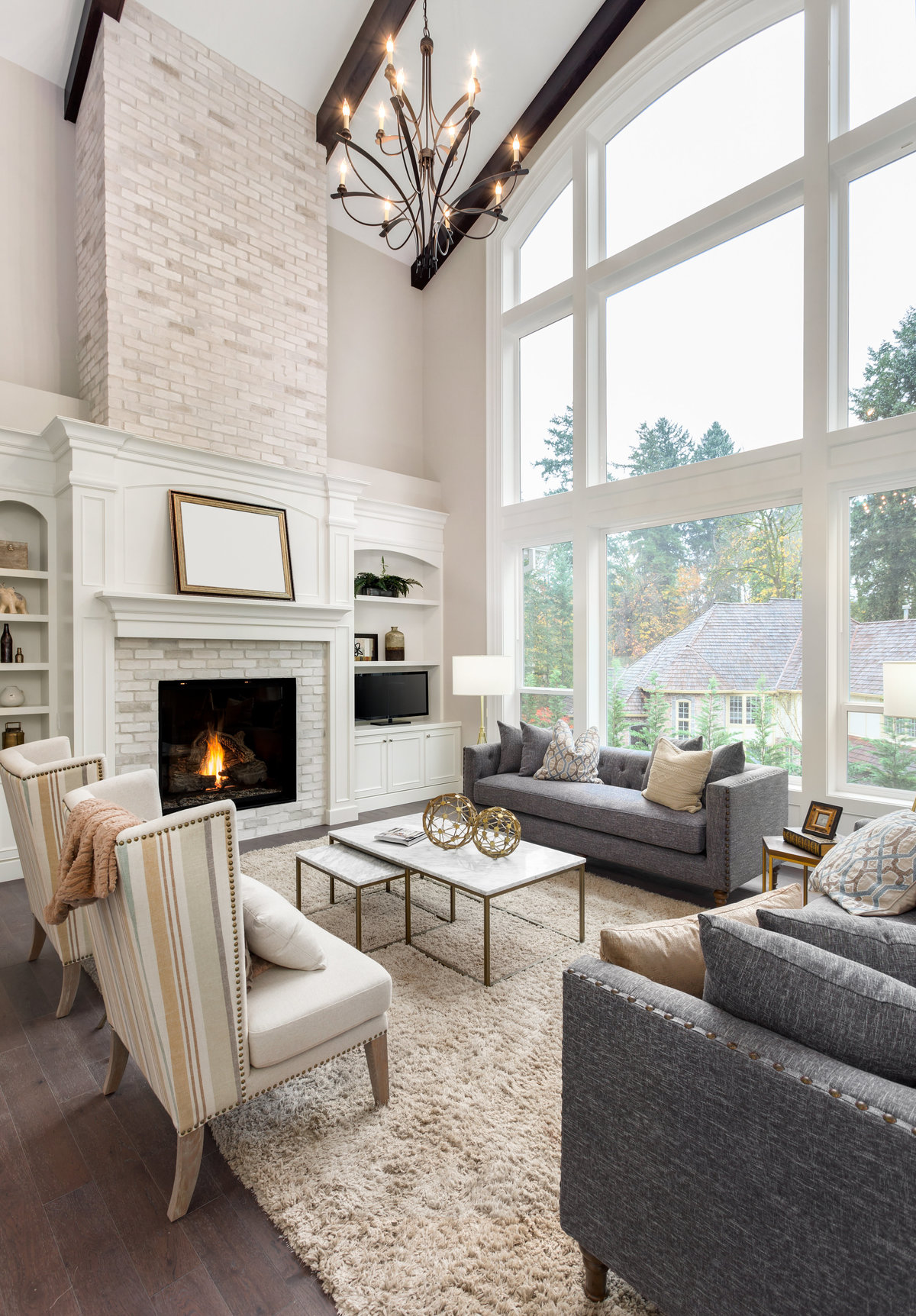 Oversized window design in living room