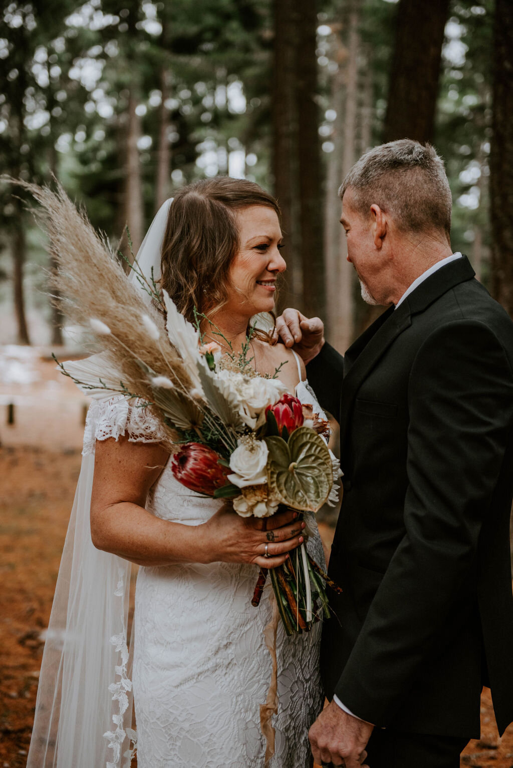 suttle-lake-sisters-oregon-lodge-woods-vow-renewal-photographer-wedding-elopement-2519