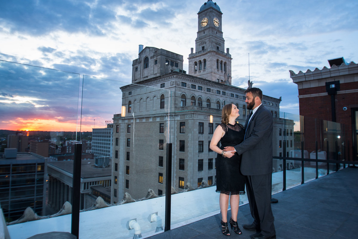 Engagement Picture rooftop sunset