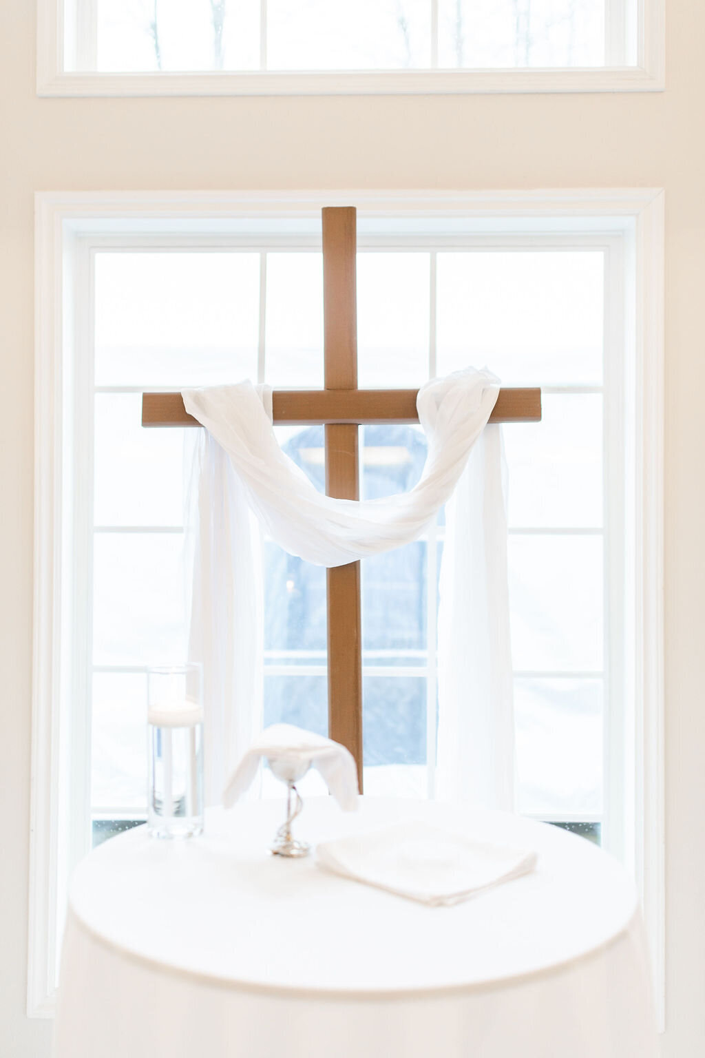 wedding_decor_cross