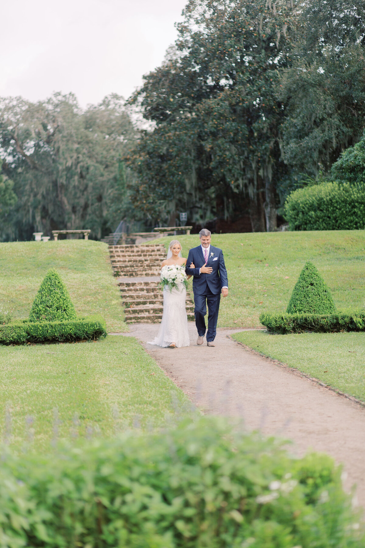 Melton_Wedding__Middleton_Place_Plantation_Charleston_South_Carolina_Jacksonville_Florida_Devon_Donnahoo_Photography__0572