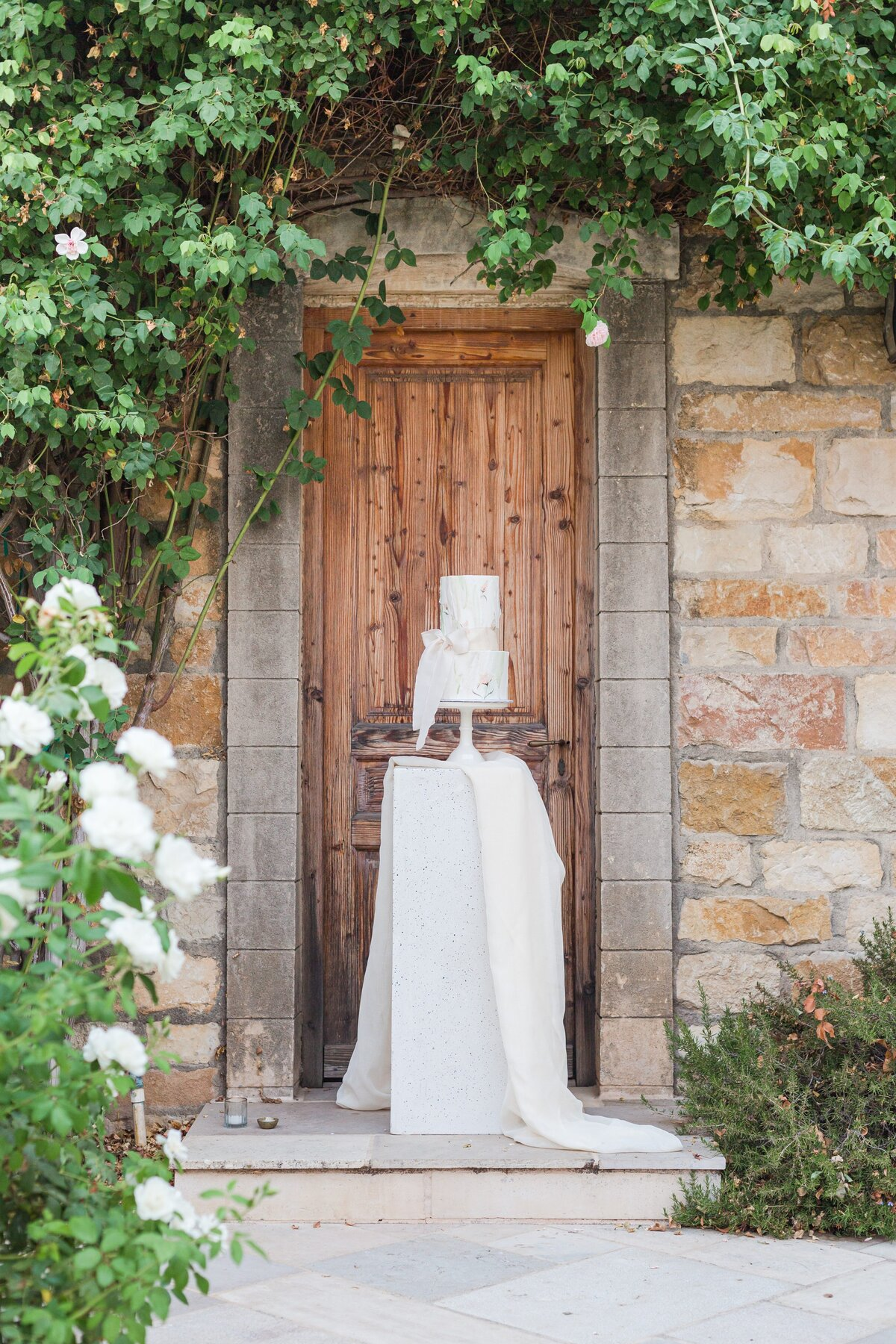 Kelli-Bee-Photography-Blog-Sunstone-Winery-Villa-Styled-Wedding-0237