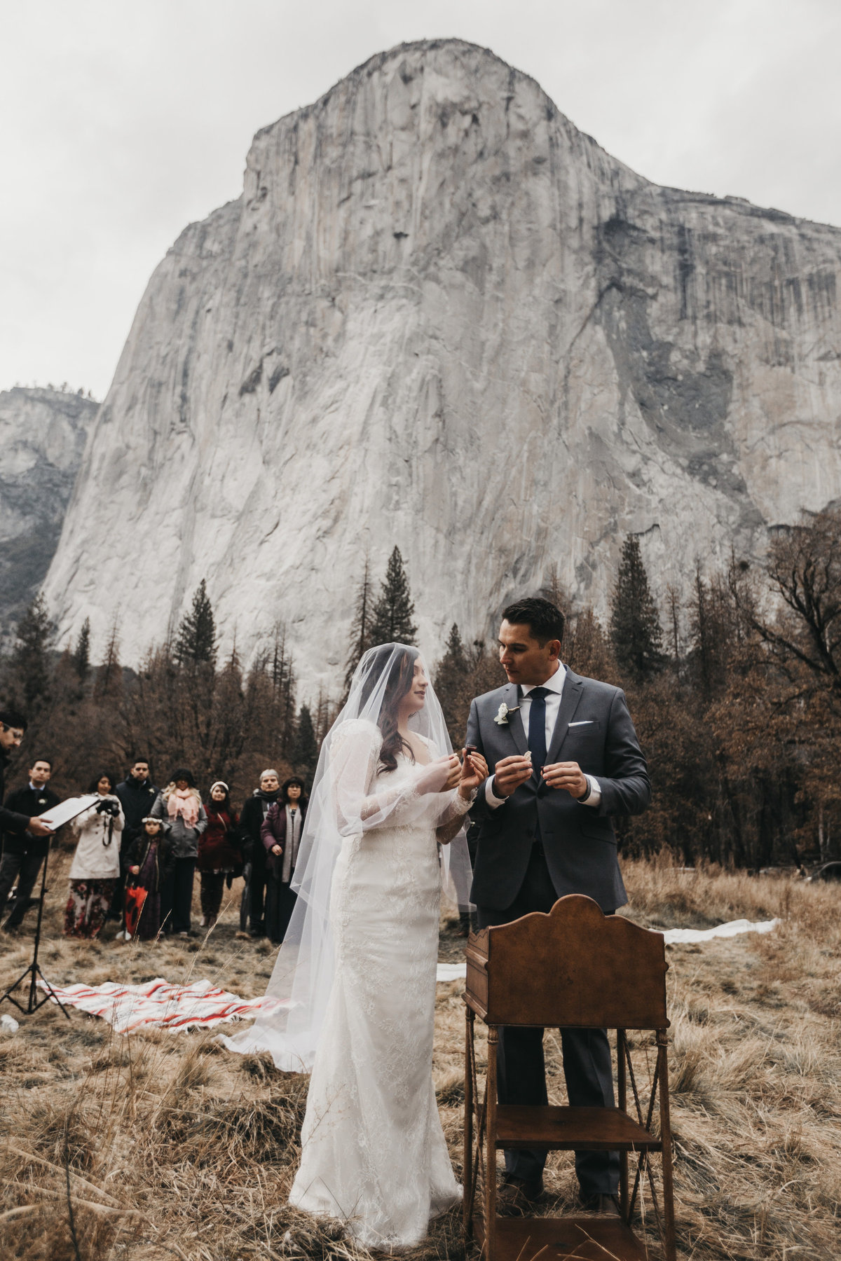 athena-and-camron-how-to-elope-in-yosemite-valley-ceremony10