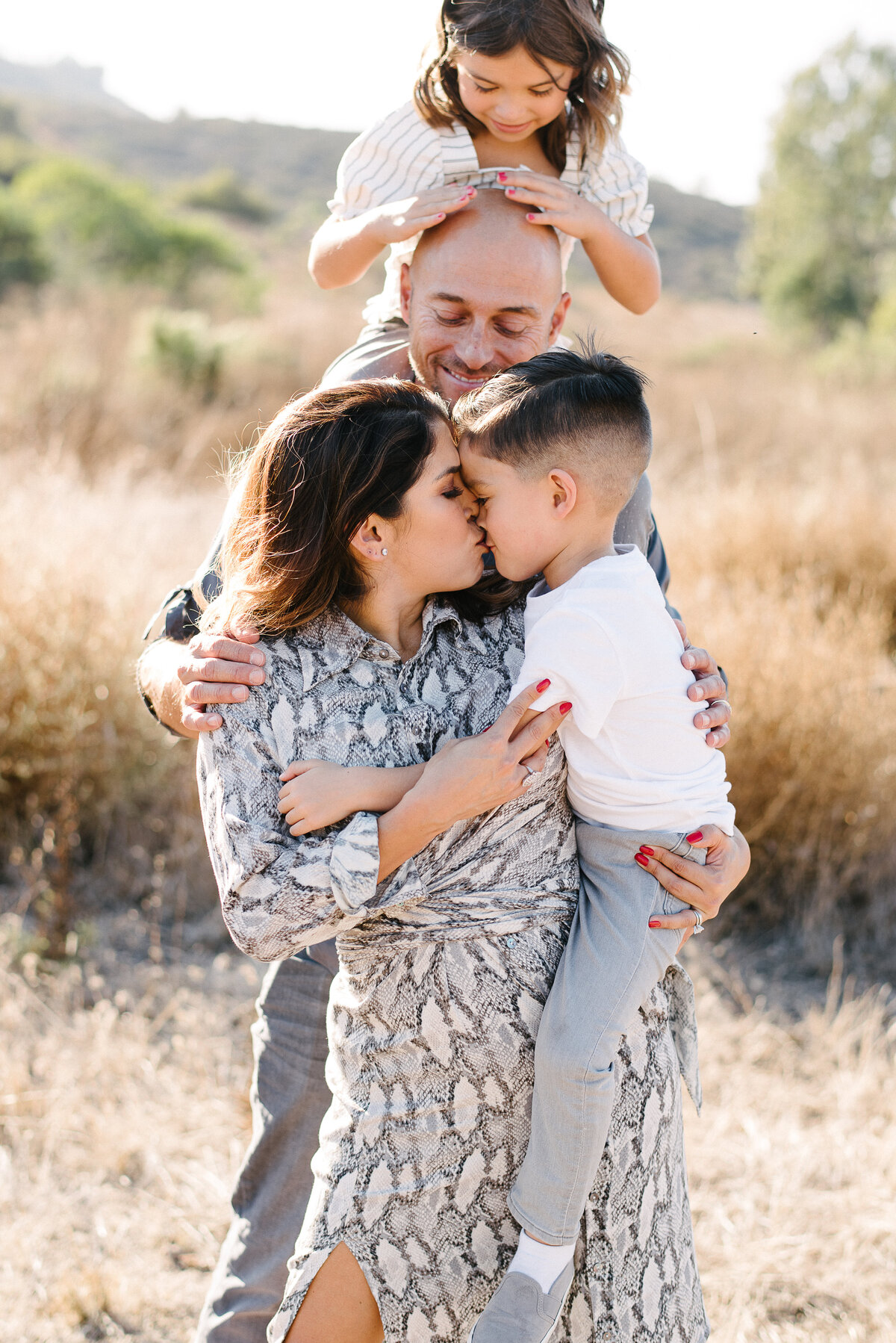 san marcos family photographer - field snuggles-20