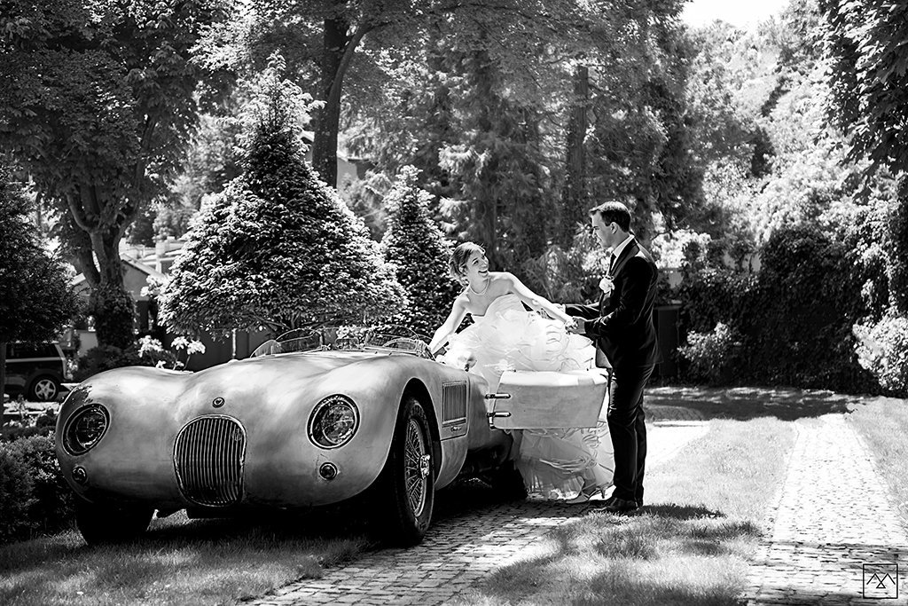 Amédézal-wedding-photographe-mariage-lyon-jaguar-typeC-collection-bride