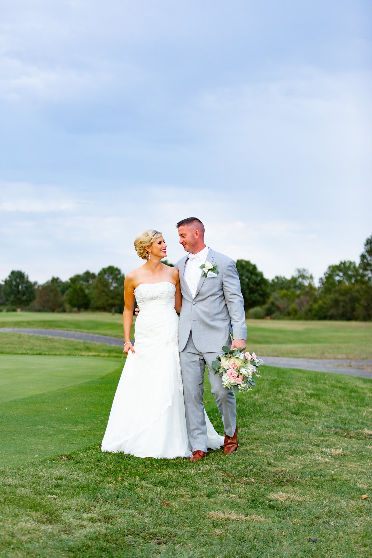 Romantic Fall Elopement  bride and groom  at Kokopelli Golf Club  in Southern Illinois  by Amy Britton Photography Photographer in St. Louis