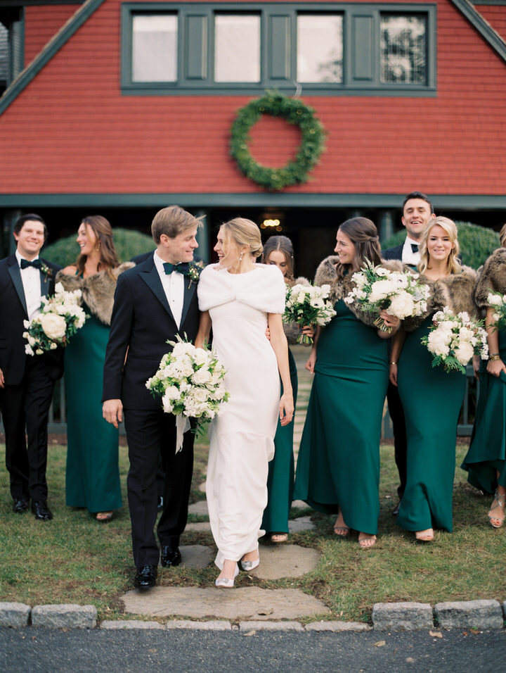 bridesmaids wearing green dresses