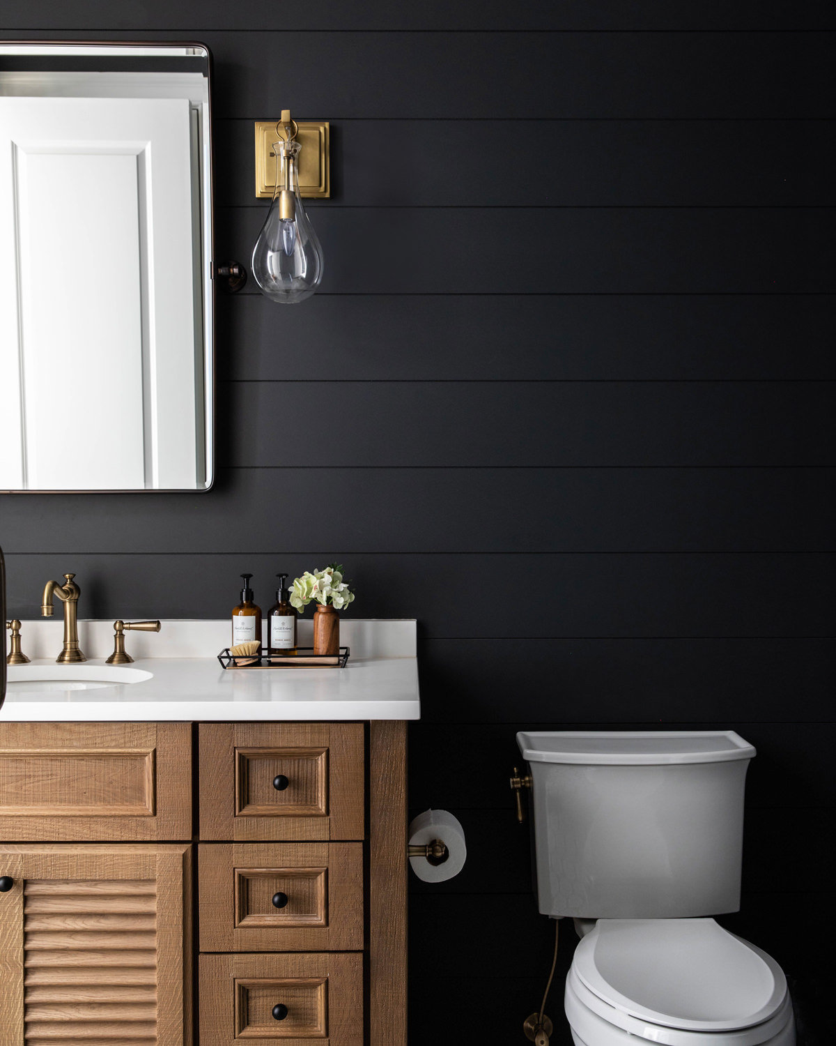 Benjamin-Moore-Cheating-Heart-Shiplap-Bathroom-with-Louvered-White-Oak-Vanity-1