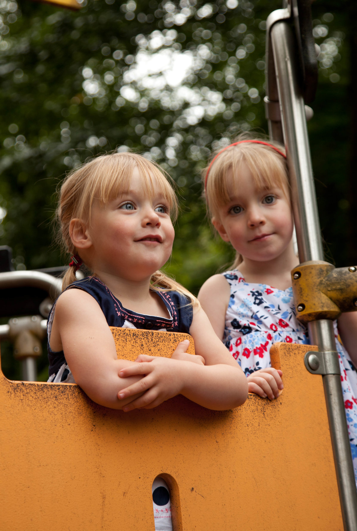 location portrait of sisters at Dean Castle Park